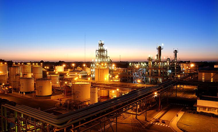 Planta-Biodiesel--foto-nocturna